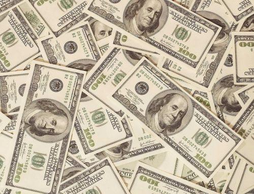 Por qué llamamos pavos a los dólares americanos