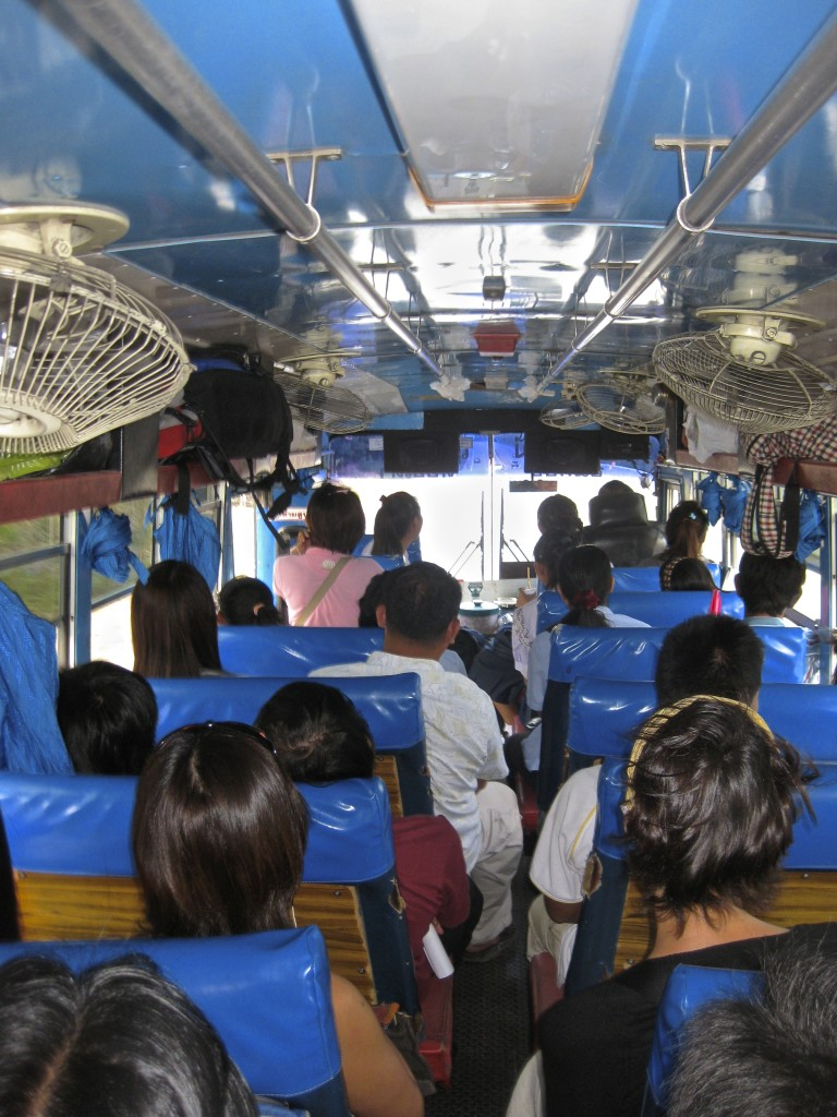 autobús tailandés